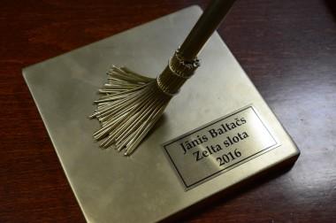 """Jau otro gadu pasniegs balvu nominācijā """"Zelta slota"""""""